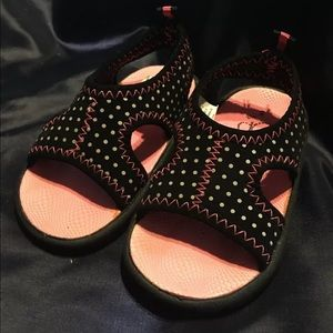 OP infant Girls water shoes size 5